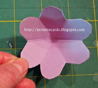 3 flower pop up card assembled flower
