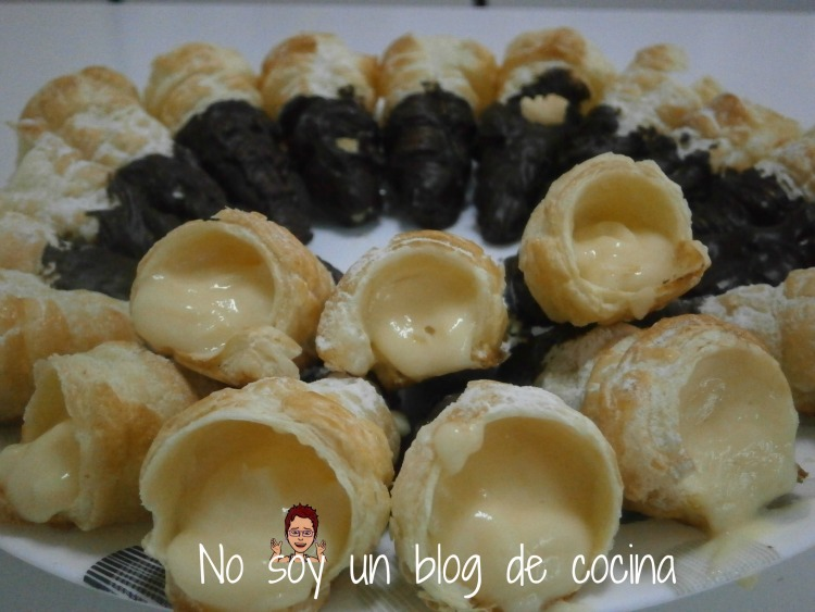 Caracolas rellenas de crema pastelera