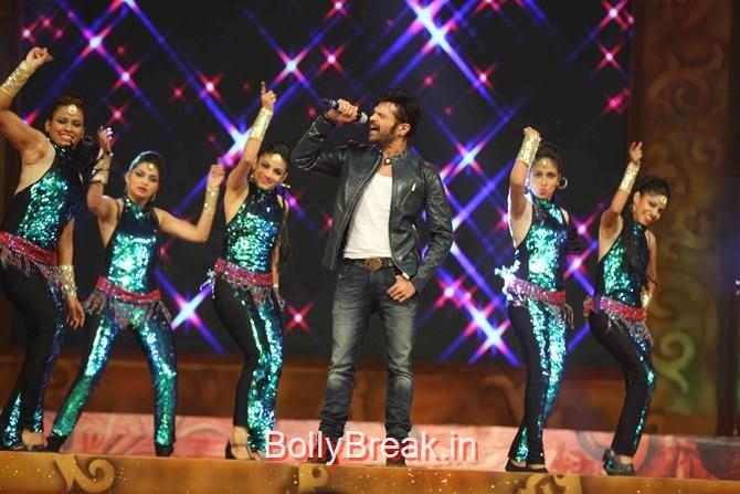 Himesh Reshammiya, Katrina,  Shah Rukh, Priyanka, Deepika At Umang 2015
