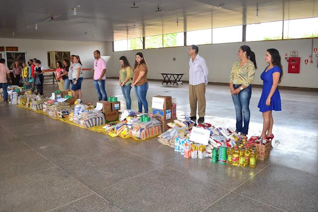 Os alimentos arrecadados durante essa noite serão distribuídos entre as entidades beneficentes de Cacoal