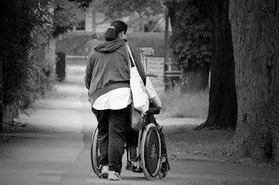 高齡化的台灣將面臨長期照護人力不足的危機
