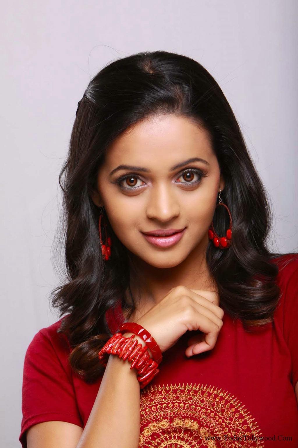 Actress Bhavanaa Rao sizzling photoshoot | Cini Mirror