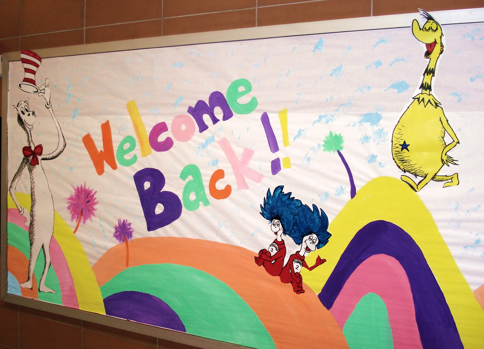 My 39 39 welcome back 39 bulletin board suess style artmuse67 for Back to school board decoration