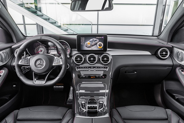 Interior Mercedes-AMG GLC 43 4Matic Coupé