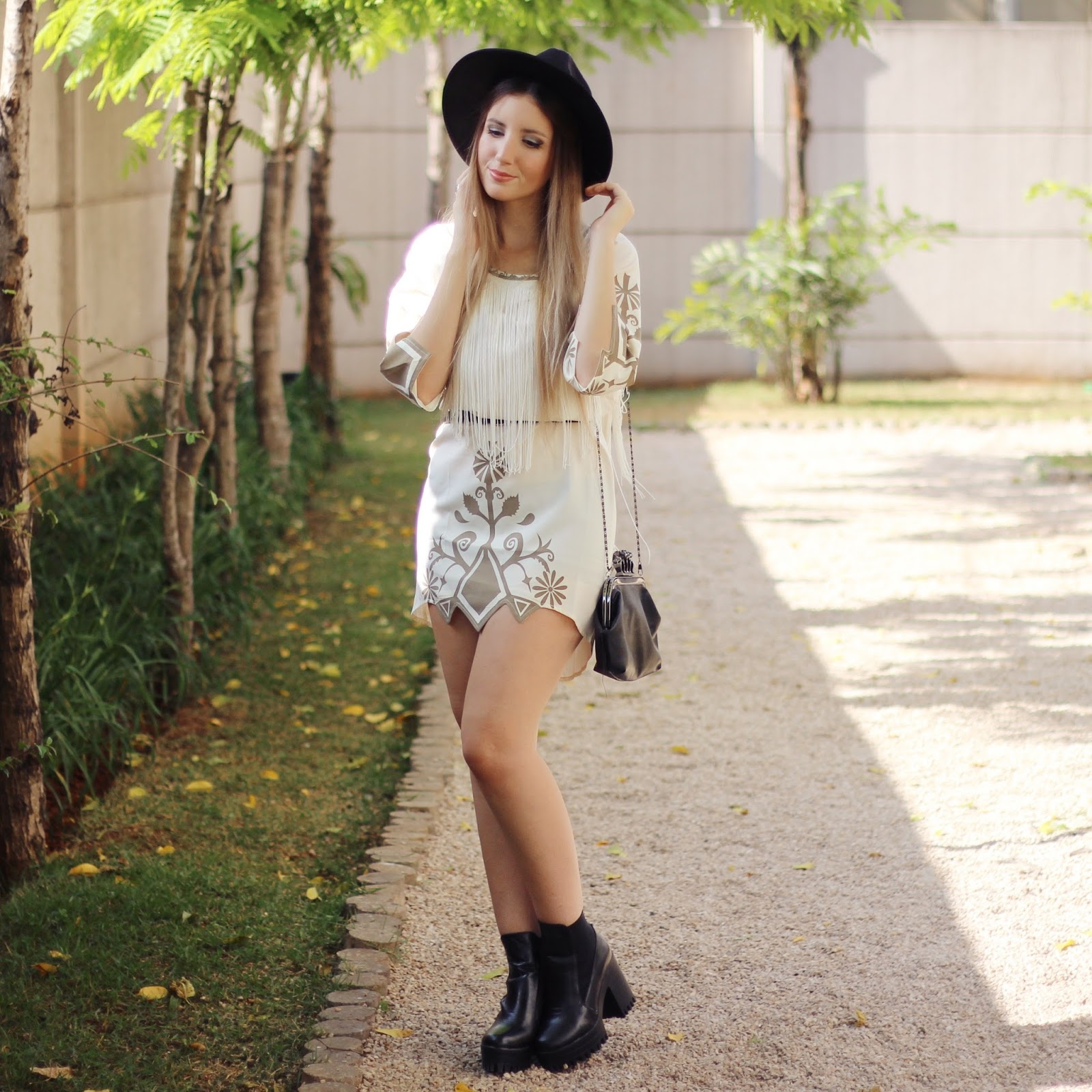 look do dia vestido com franjas