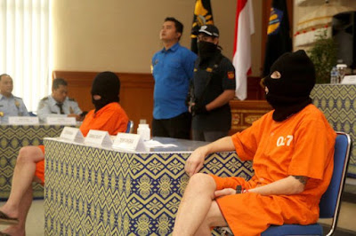 Ruckel (right) and Scott are held in Indonesia over drug trafficking charges.