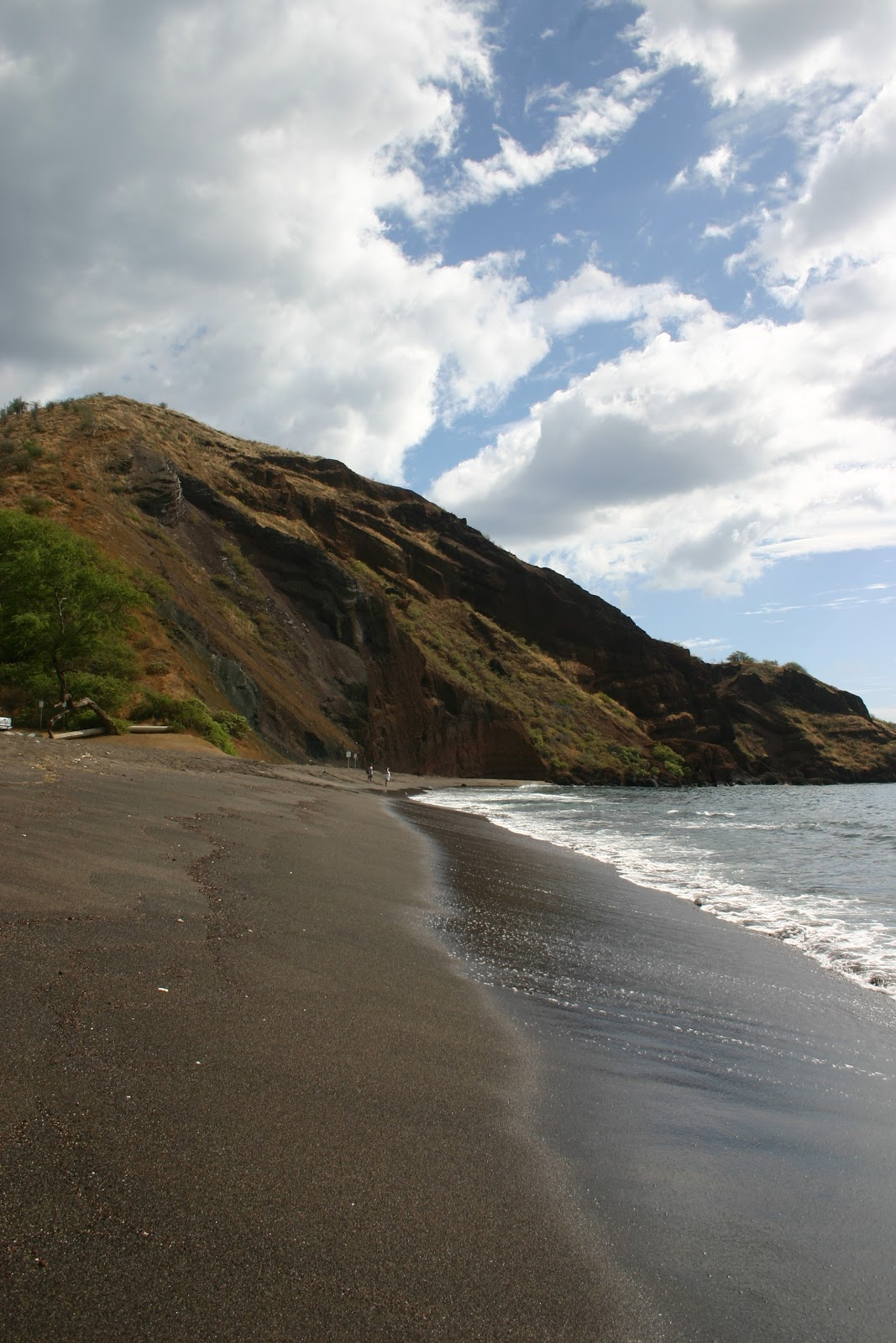 The Cheap Adventurer: 10 Most Beautiful Black Beaches In