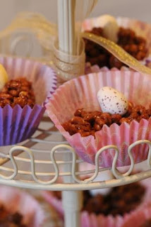 http://www.lifeofpottering.co.uk/2014/02/rice-crispie-cakes.html