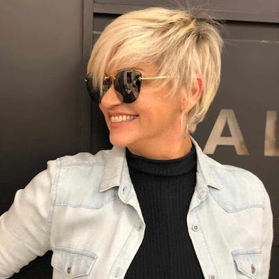short hairstyles for wowen over 50