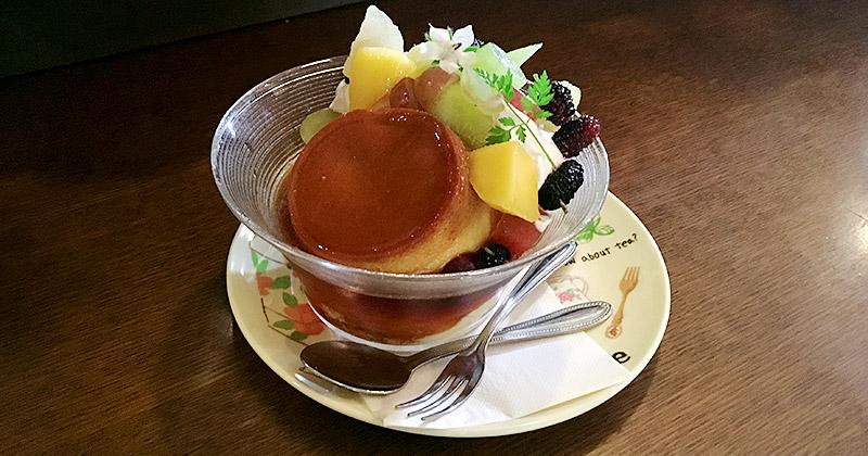 千葉県流山市にある木々に囲まれた純喫茶『木の実』の昔ながらの絶品固めプリン