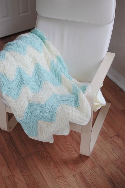 People Webs Pattern Zig Zag Blanket