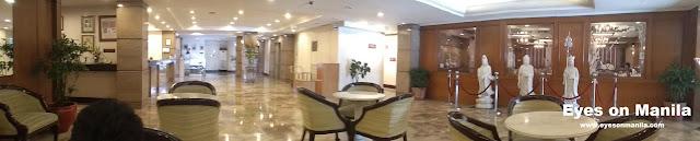 Aloha Hotel Manila Lobby