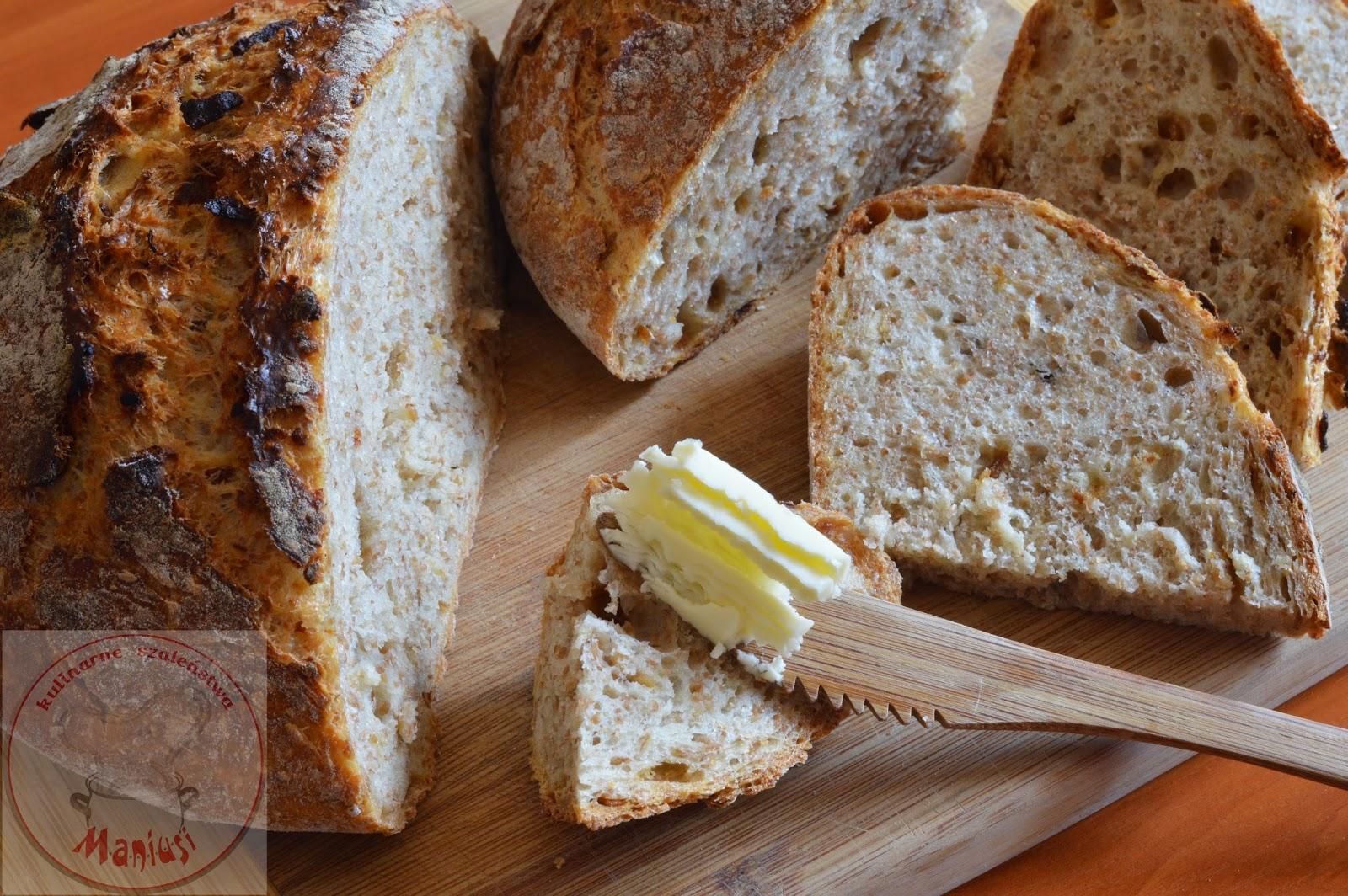 Chleb z prażoną cebulką