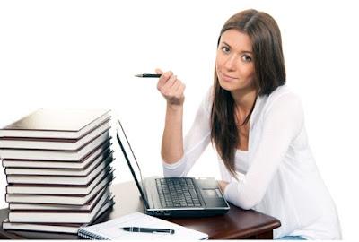 Bisnis Sampingan Ibu Rumah Tangga Penulis Freelance