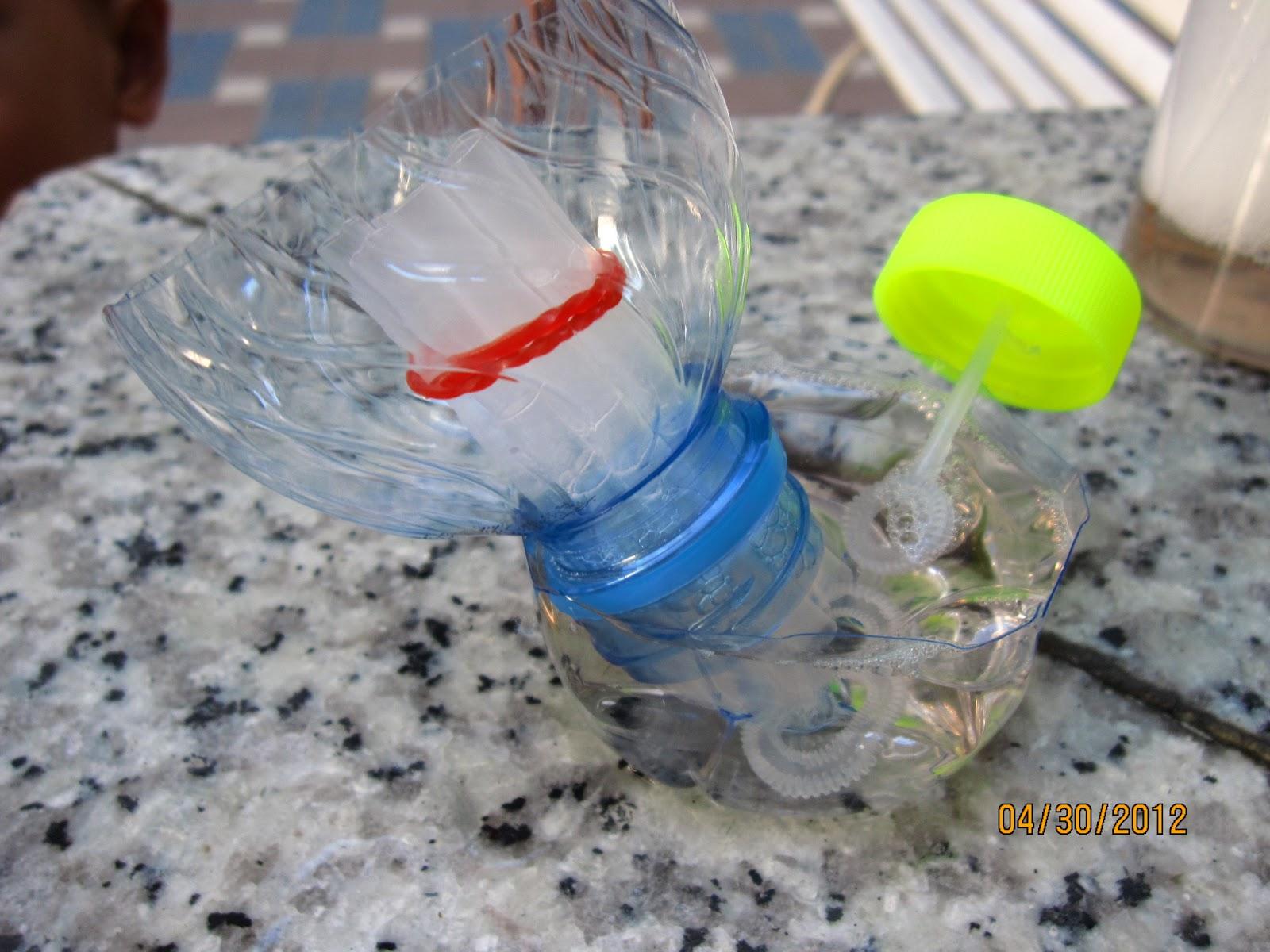 笠正喊宥大家豪: 中庭玩自製泡泡水 & 泡泡機