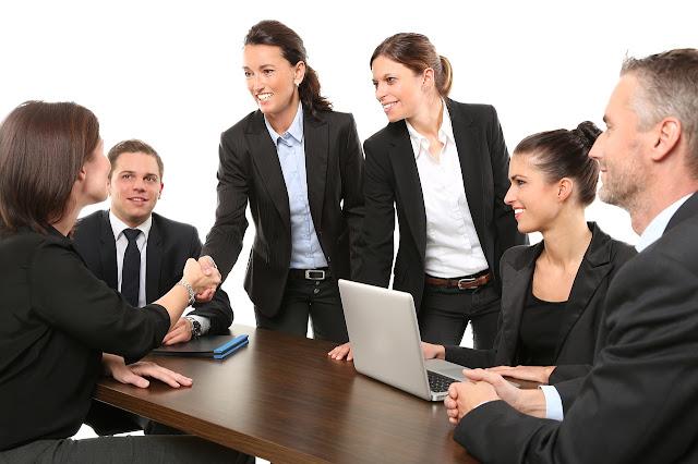 Bersahabatlah Dengan Baik Dengan Rekan Kerja