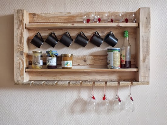 une tag re bistrot en palette arda d co. Black Bedroom Furniture Sets. Home Design Ideas