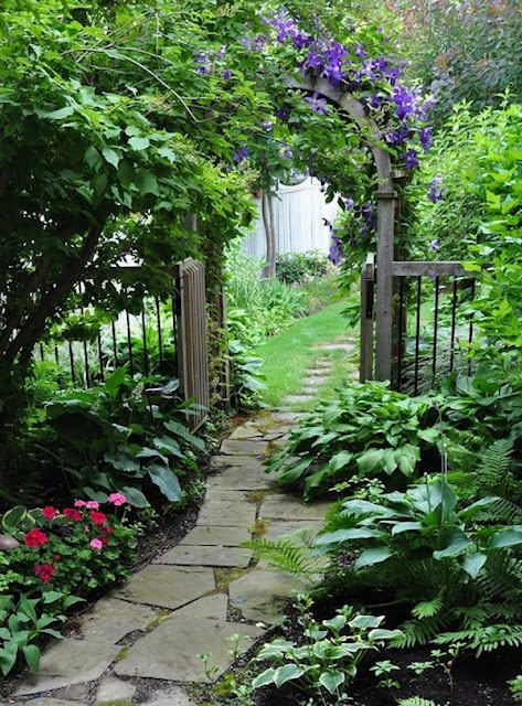 Garden Paths A Modern Atmosphere