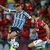No Maracanã, o Grêmio perdeu para o Flamengo por 2 a 0 na reta final do Brasileirão
