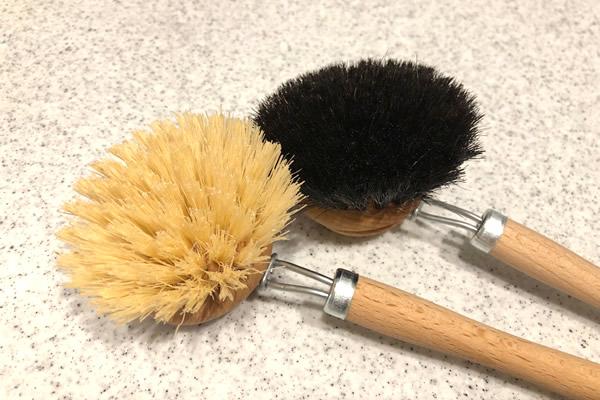 柄付きキッチンブラシ2種類の毛