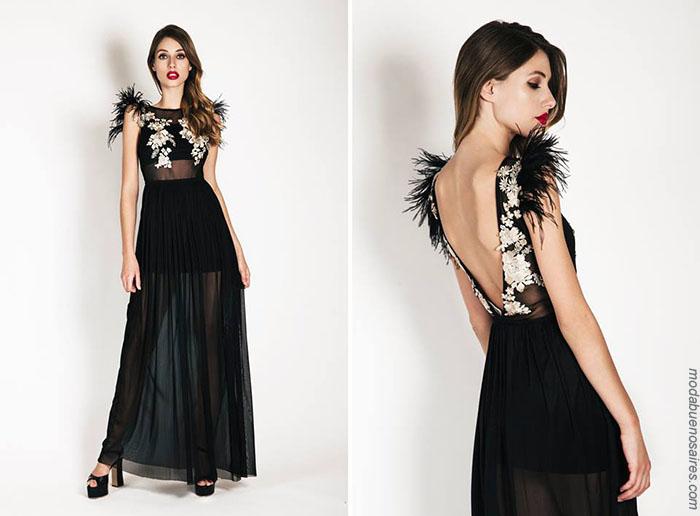 Vestidos de fiesta verano 2018 con plumas y transparencias, Moda 2018.