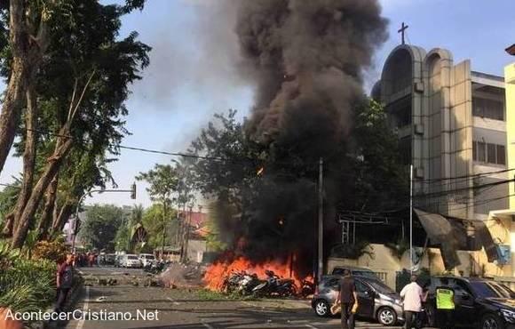 Ataque contra iglesia en Indonesia