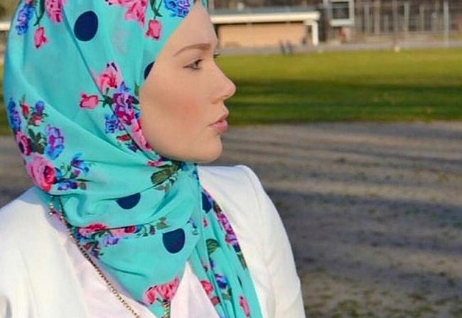 Kisah nyata gadis mualaf Amerika dari Michigan tentang proses masuk Islam.