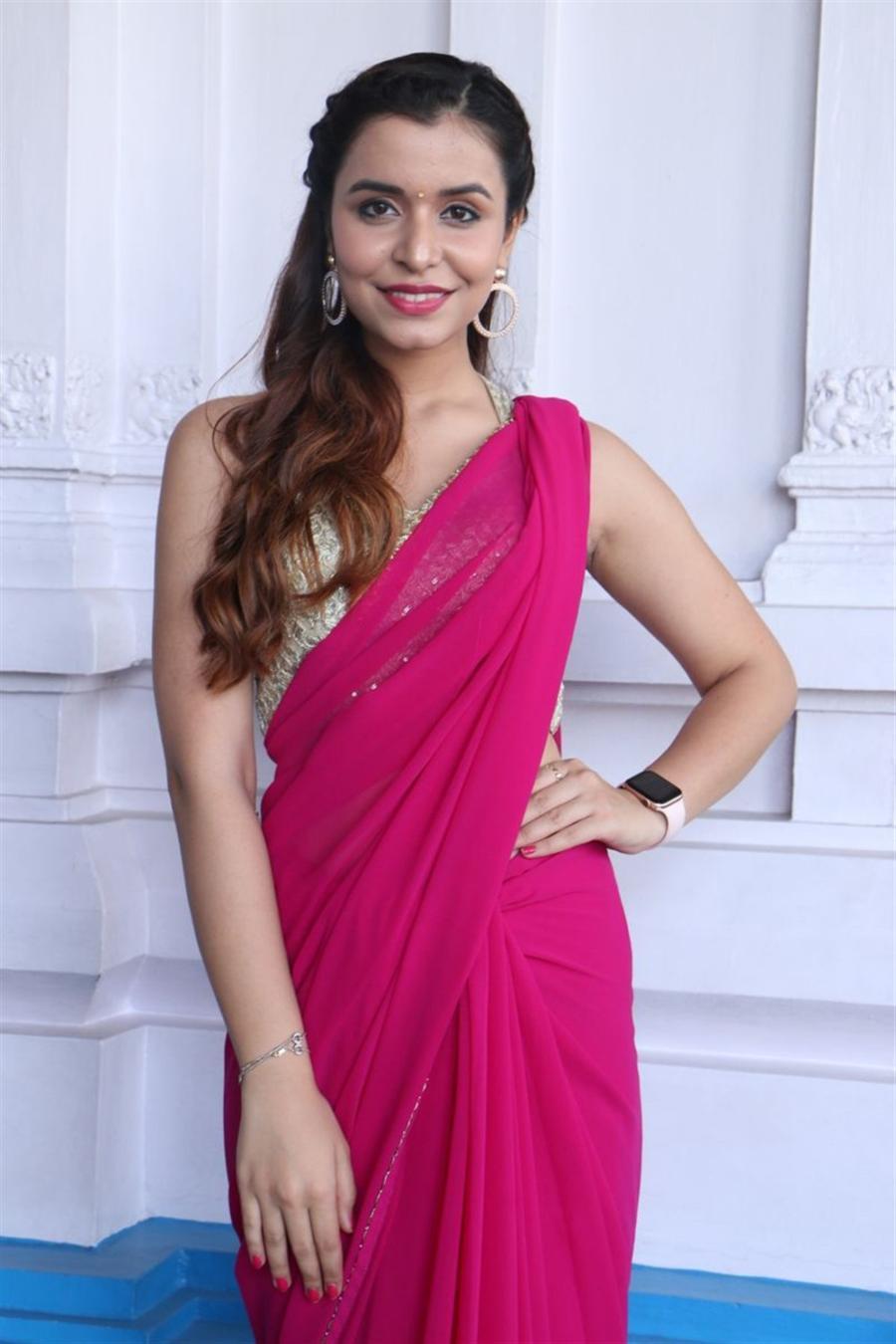 Beautiful Indian Girl Chitranshi Dhyani In Transparent Pink Saree