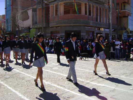Bolivia: Bachilleres se preparan para la universidad entre la frustración y la incertidumbre
