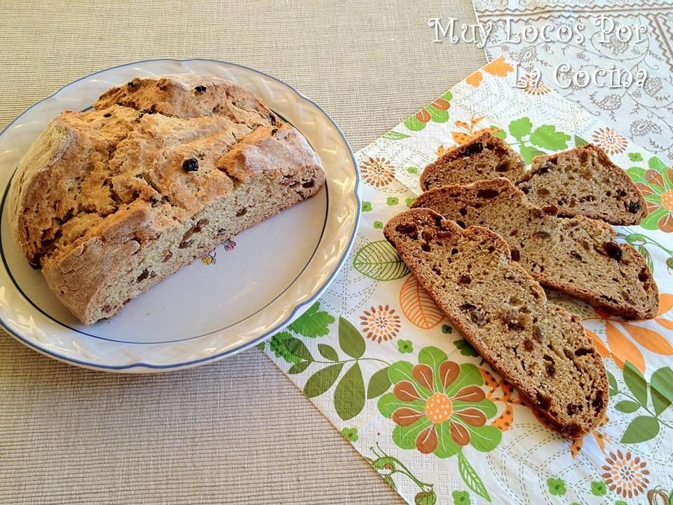 Pan Irlandés con Pasas (Raisins Soda Bread)