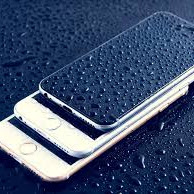 Tips Pertolongan Pertama Smartphone Ketika Terkena Air