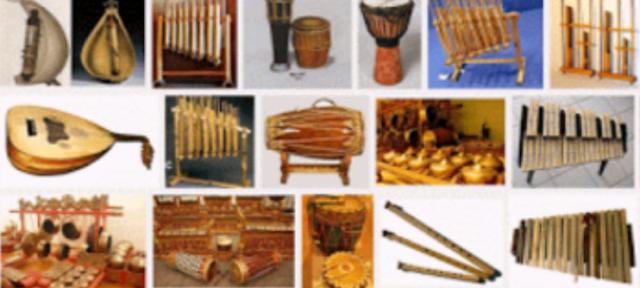 Macam musik tradisional setempat