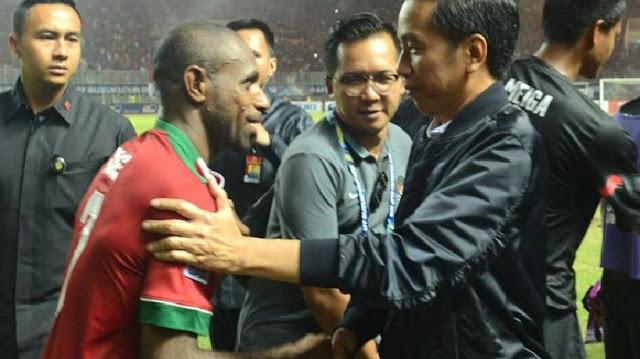 Apa Yang Terjadi? Jokowi Utus Menteri Agama Dampingi Timnas Indonesia Di Thailand.