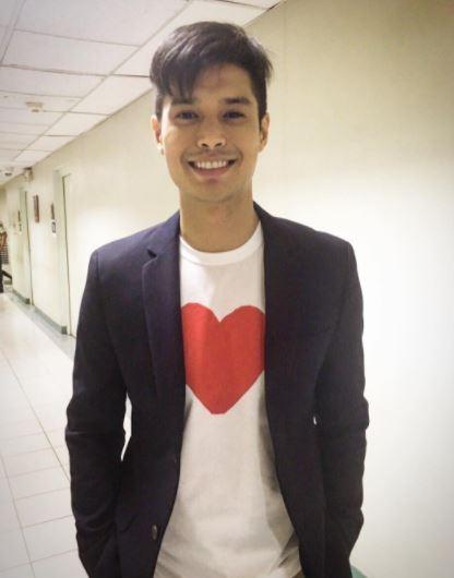 JC de Vera Inilantad Na Sa Publiko Ang Kanyang Non-Showbiz Girlfriend!