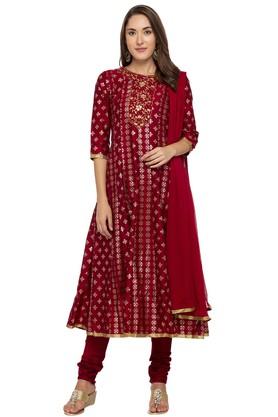 Ishin Salwar & Churidar Suits with 70% off
