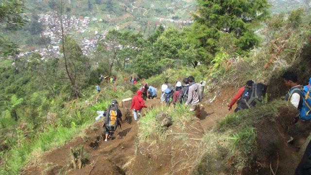 Trekking Jalur Prau