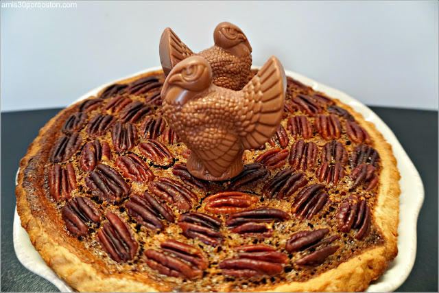 Chocolate Bourbon Pecan Pie con Pavo de Chocolate de Lake Champlain