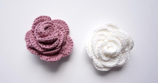 petite maille le crochet c 39 est pas ringard des roses au crochet. Black Bedroom Furniture Sets. Home Design Ideas