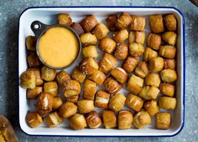Homemade Soft Pretzel Bites #homemade #dessert