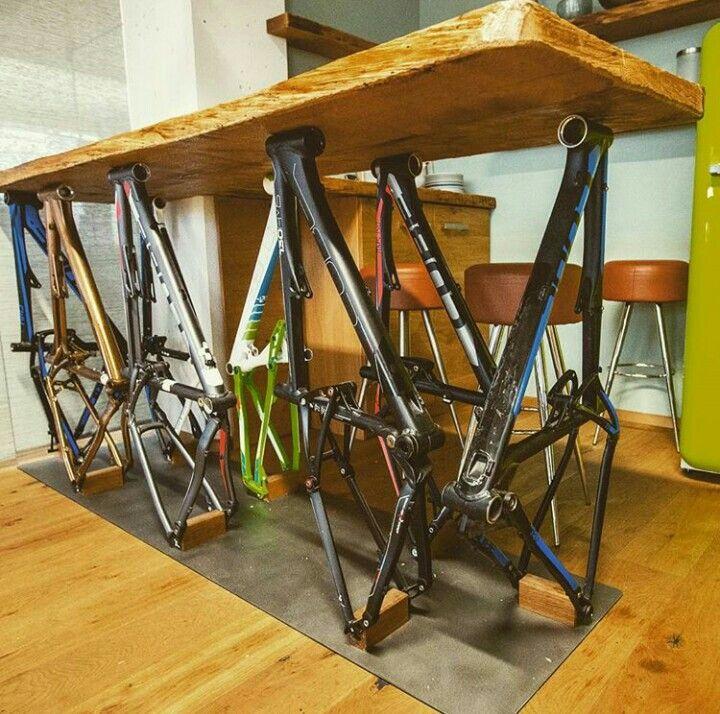 Mesa DIY reciclando bicicletas