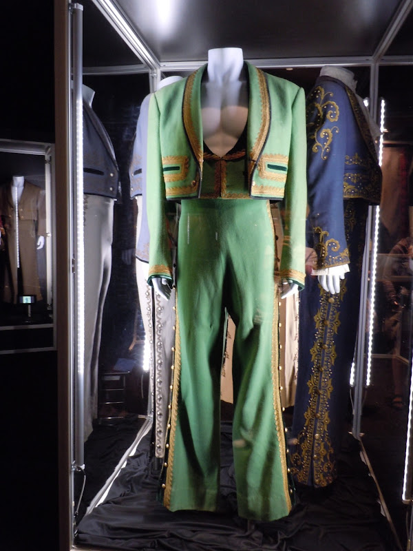 Zorro Don Diego TV costumes