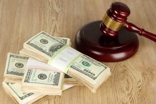 Суд скасував арешт $104 тис., вилучених в кабінеті співробітника главку поліції Києва