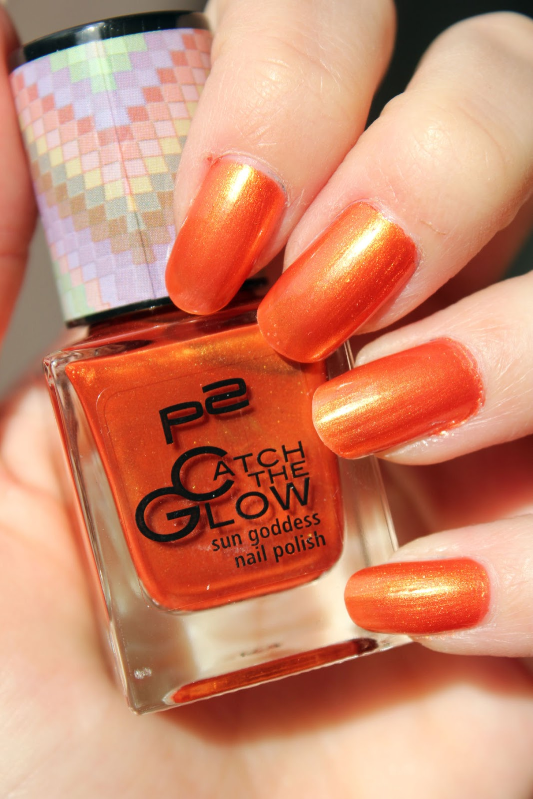 http://lacquediction.blogspot.de/2014/03/p2-catch-glow-le-swatches-aller-lacke.html