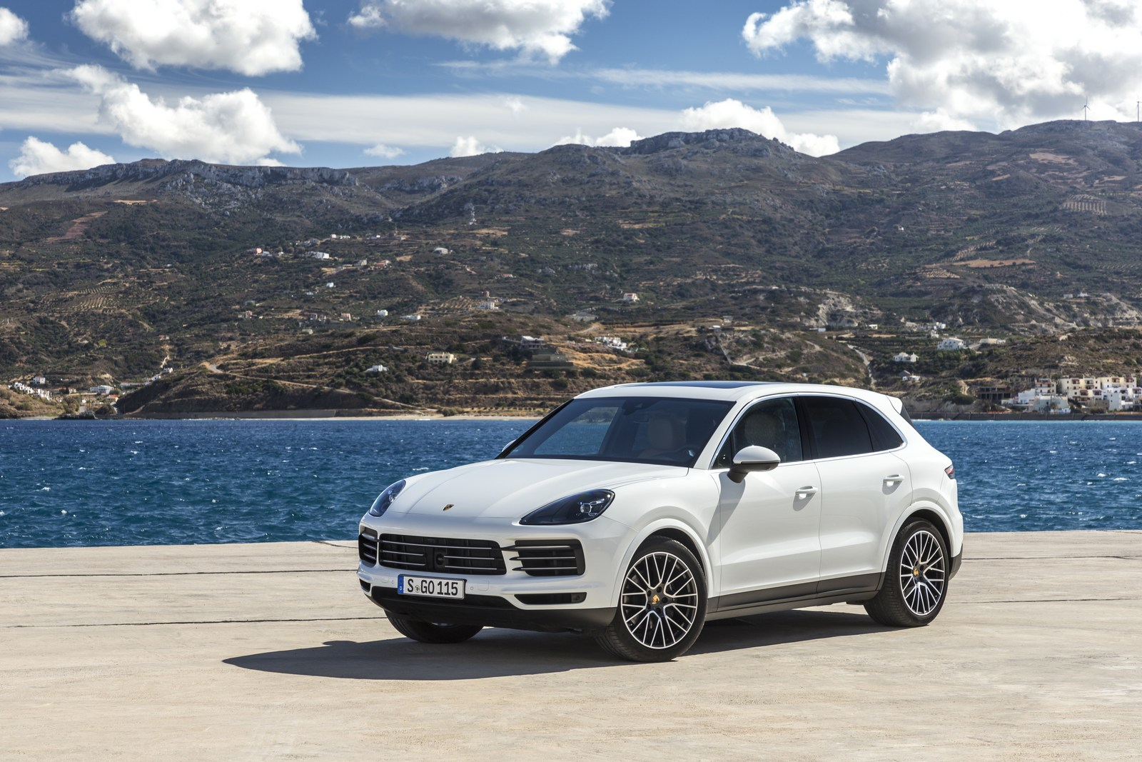 porsche cayenne and macan coupe decision coming next year carscoops. Black Bedroom Furniture Sets. Home Design Ideas