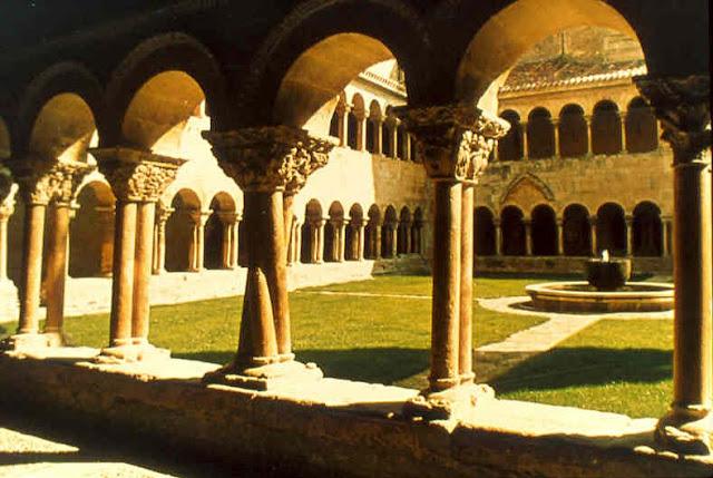 LE MALHEUR DU MONDE, par Henri-Marie Boudon, grand archidiacre d'Évreux Santo_domingo_de_silos_cloister
