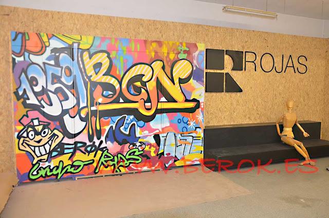 graffiti sobre armario Grupo Rojas