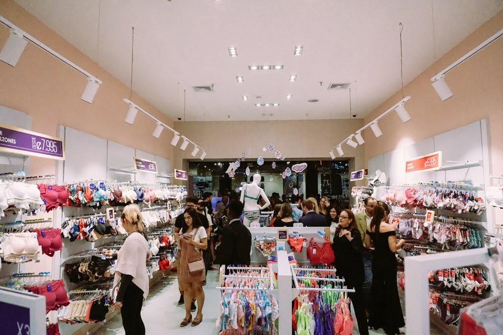 Firma colombiana de ropa íntima ya cuenta con cuatro tiendas en el país. eabb2549983d