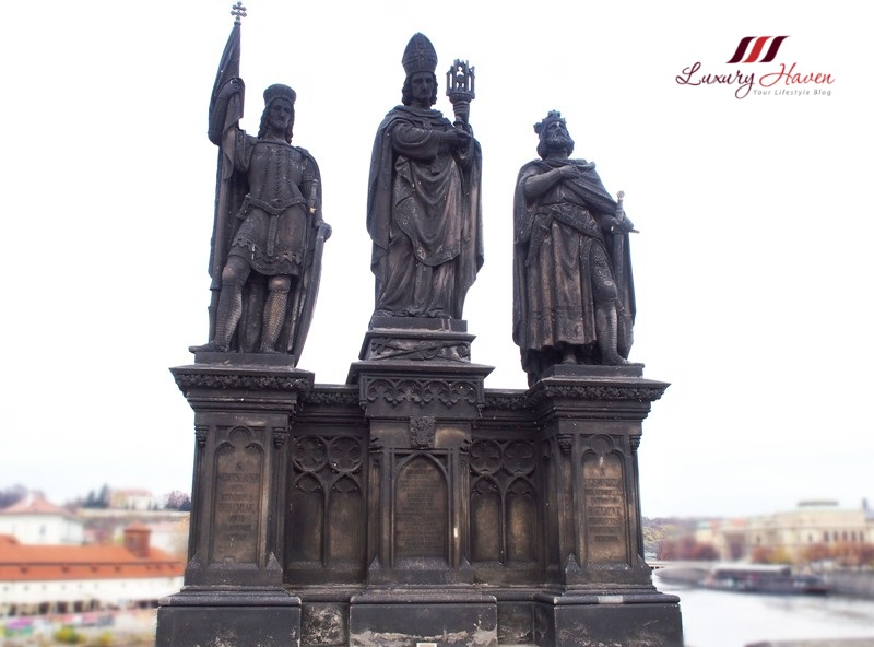 charles bridge statues saints norbert xanten wenceslas sigismund