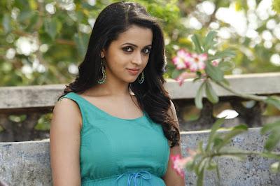 actress bhavana navel videos