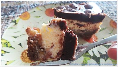 bolo de queijo com banana; cheesecake americano com banana e ganache; torta doce; sobremesa com banana;